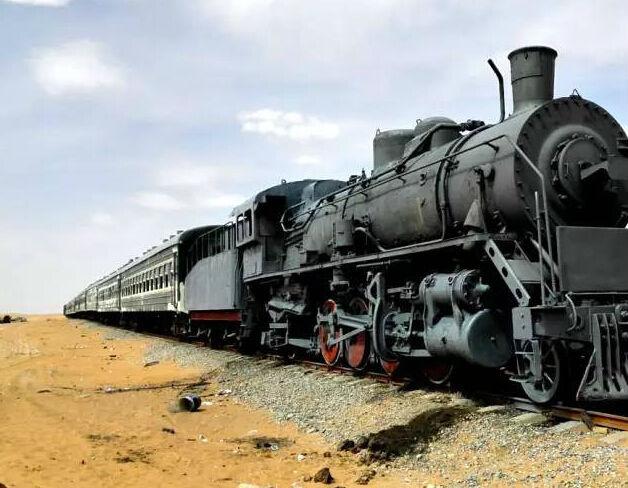 宁夏沙漠旅游打造蒸汽火车主题旅馆