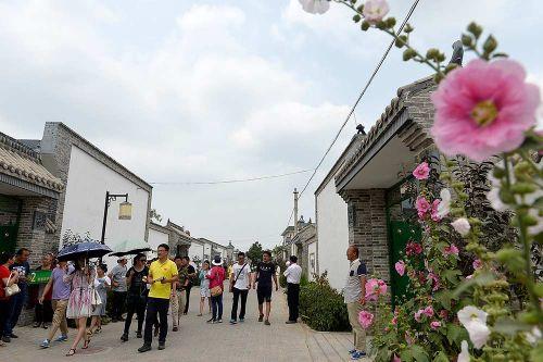 吴忠市副市长马中勇就吴忠市旅游接受新华社记者专访