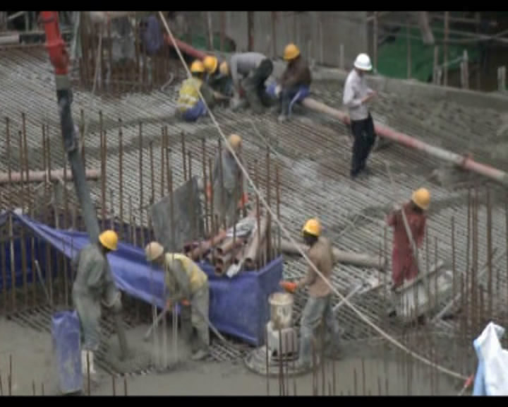 中建公司承建的东非第一高楼主楼完成浇筑