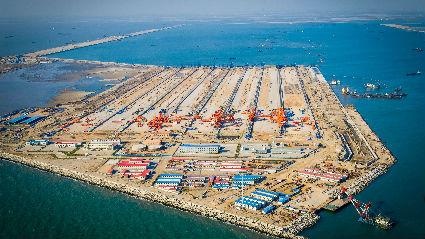 """践行""""一带一路""""倡议打造中国交建海外标杆——访中国交建董事长刘起涛"""