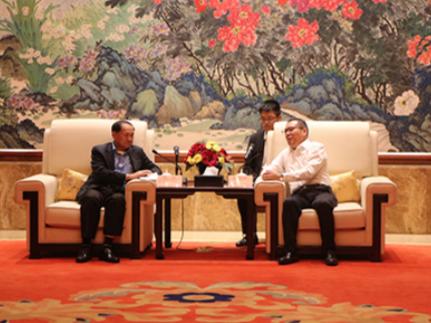 西哈努克省省长润明肯定西港特区发展规划
