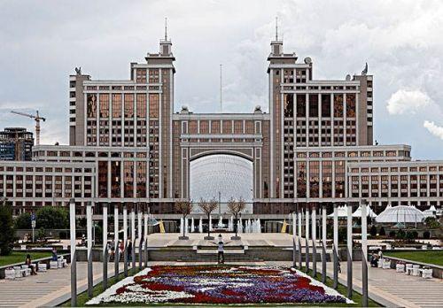 哈萨克斯坦概况,哈萨克斯坦人口、面积、重要节日一览