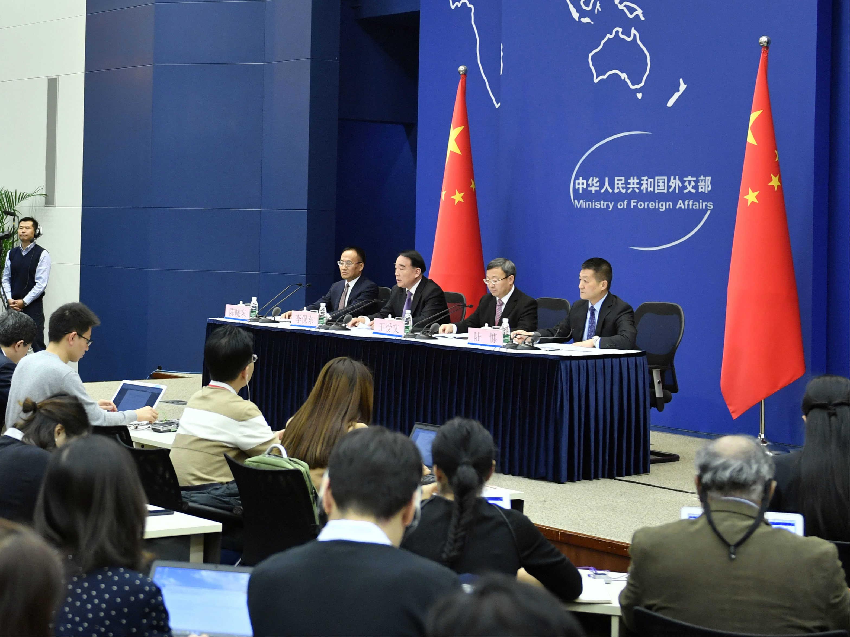 习近平将出席亚太经合组织第二十五次领导人非正式会议并对越南、老挝进行国事访问