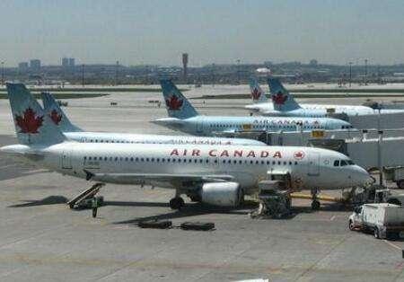 加拿大飞机
