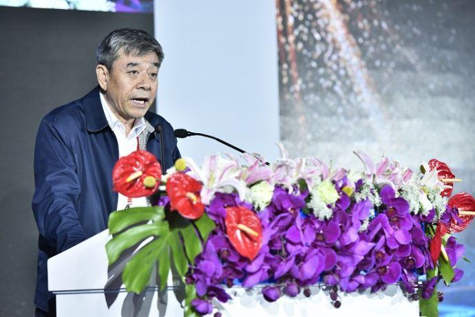 中国轻工业联合会副会长、中国酒业协会理事长王延才 张涛摄