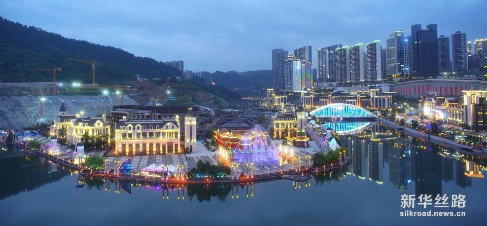 这是贵阳市未来方舟夜景(5月23日无人机拍摄)。 新华社记者 才扬 摄