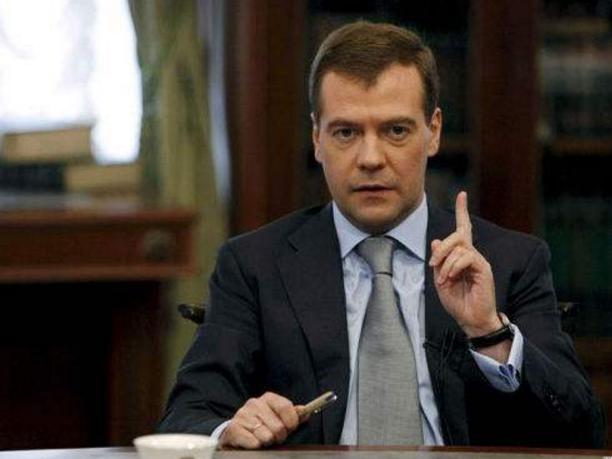 俄总理请求议会支持延长退休年龄的法案