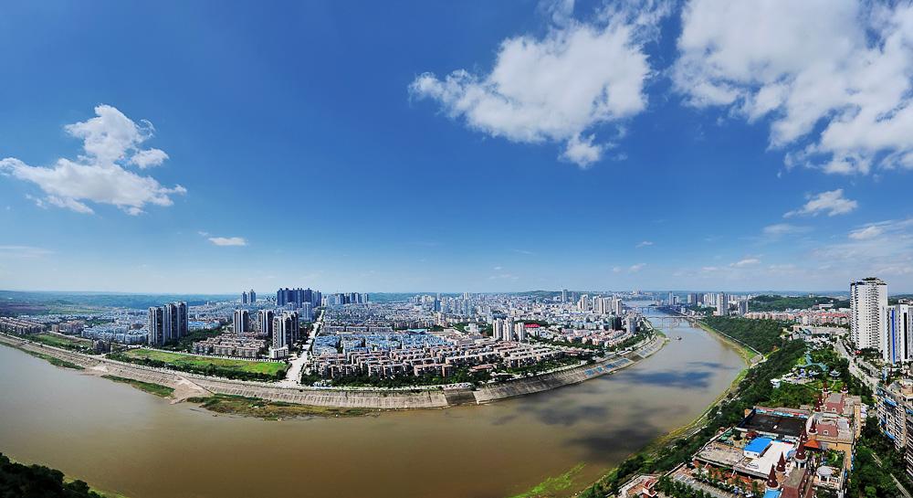 白云下面新城北 杨大禄摄