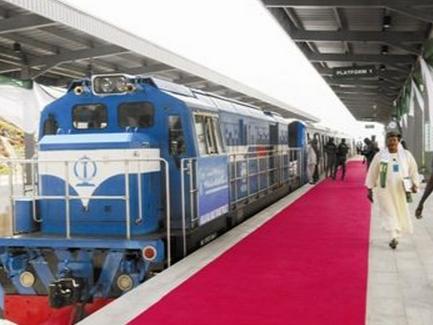中企承建并运营的西非首条城铁开通
