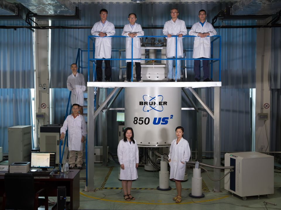 """8名在美国打拼的哈佛博士后先后回到安徽合肥的""""科学岛""""——中国科学院合肥物质科学研究院,在崭新的平台上挑战前沿科研领域(2017年8月17日摄)。新华社记者金立旺摄"""