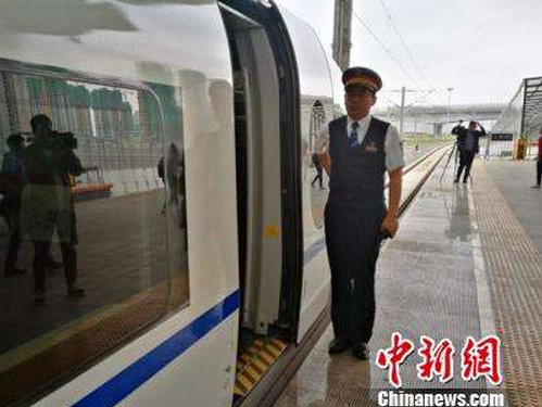 中国高寒地区最长快速铁路进入试运行阶段
