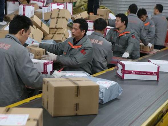 1-7月全国快递服务企业业务量完成261亿件 同比增长27%