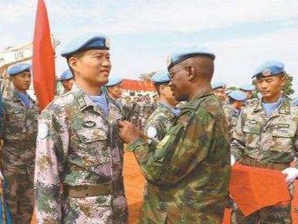 中国赴南苏丹维和医疗分队为出兵国举办急救技能培训