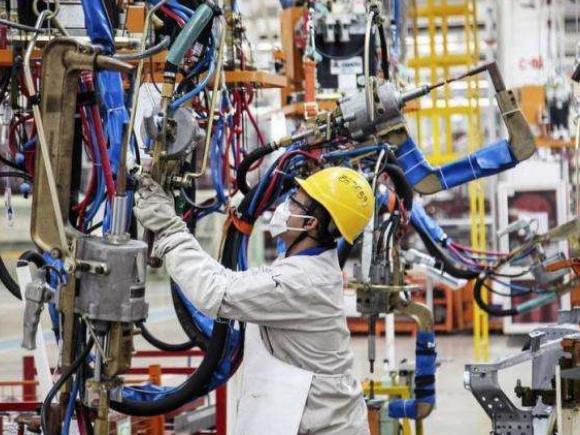 8月份制造业PMI升至51.3%