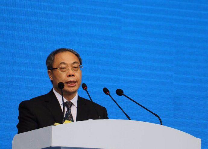为泸州市委书记蒋辅义在开幕式上致辞。