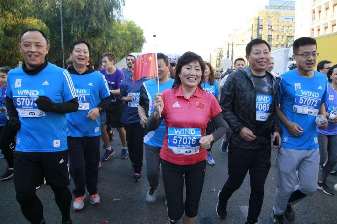 章启月大使参加雅典经典马拉松5公里跑