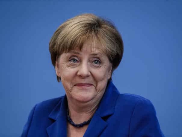 默克尔:德国要加强数字化建设