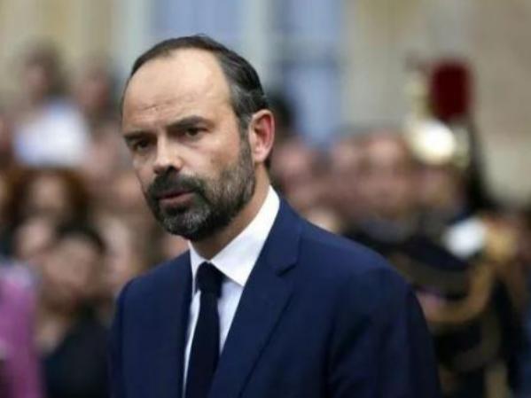 法国总理宣布暂缓上调燃油税