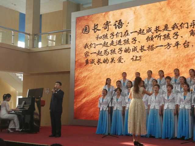 首届银川市民办幼儿园教师合唱比赛现场