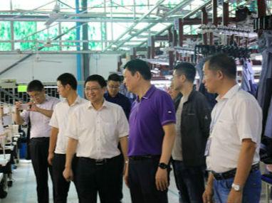南京市江北新区代表团称赞西港特区发展