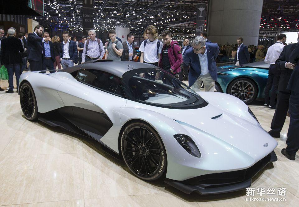 第89届日内瓦国际车展向公众开放     新华社记者徐金泉摄