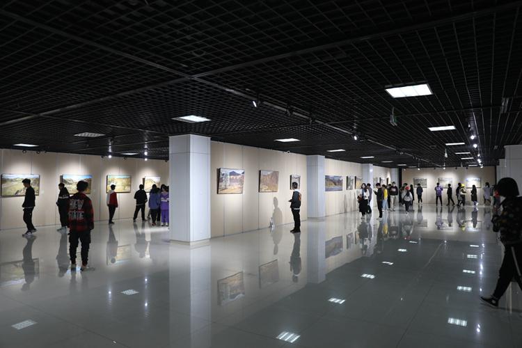 天下黄河·美丽新宁夏--百名油画家创作展在银川开幕