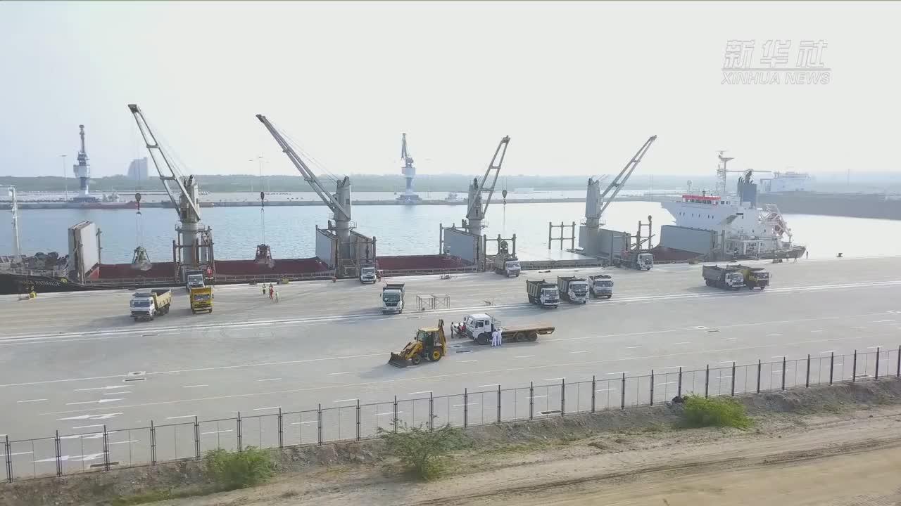 正在腾飞的汉班托塔港