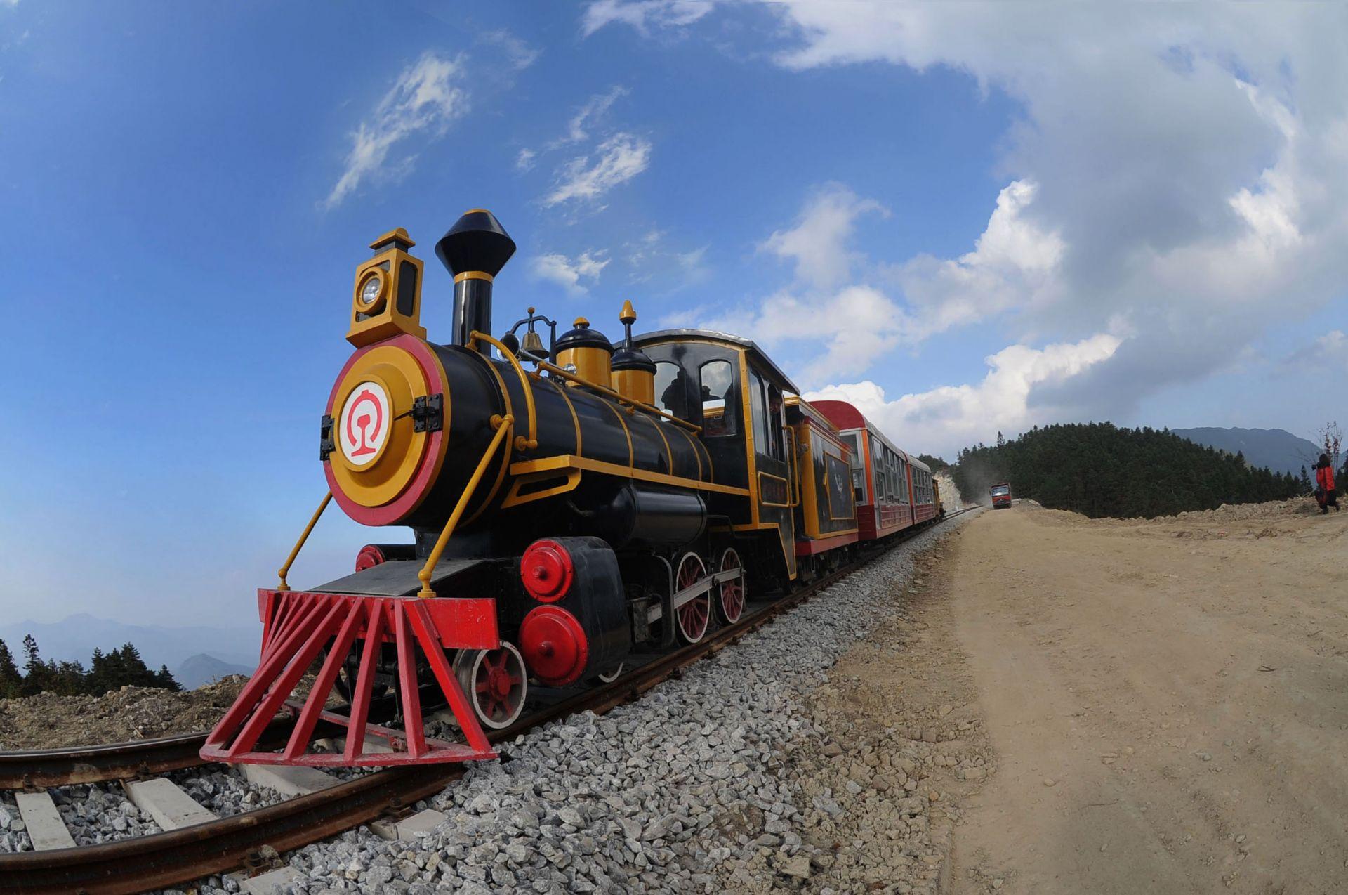 明月山高山小火车