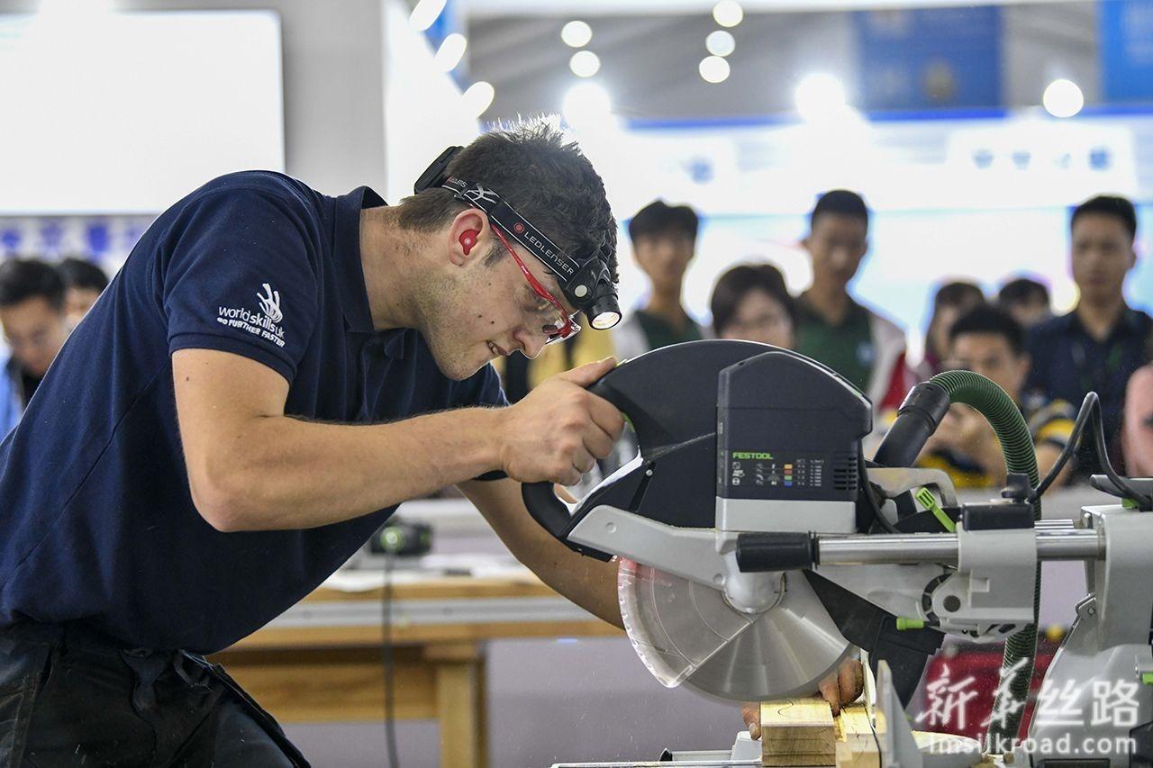 """""""一带一路""""国际技能大赛在重庆开赛"""