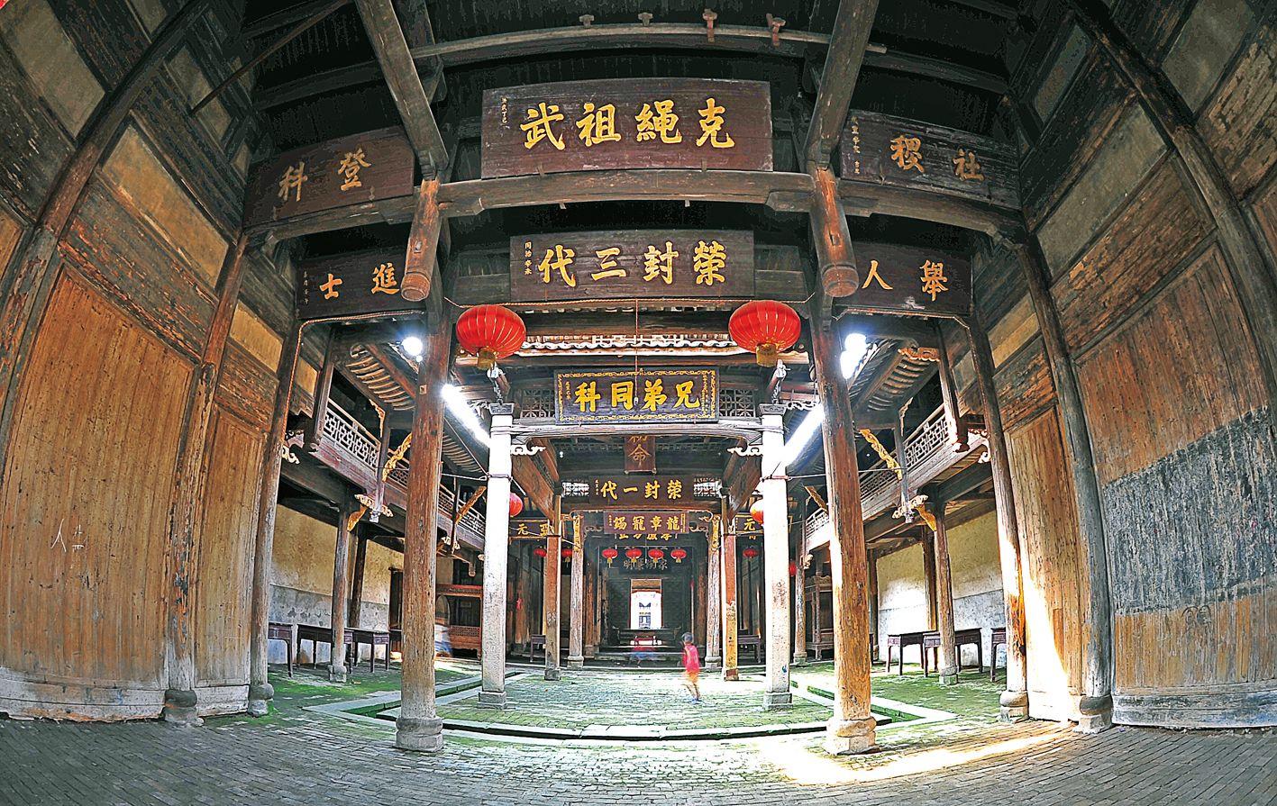 高安贾家古村贾氏祠堂(蔡涛摄)