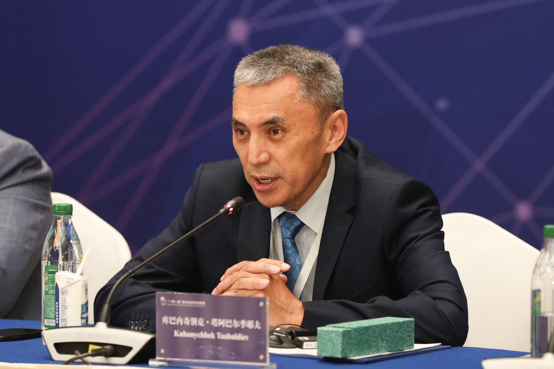 库巴内奇别克•塔阿巴尔季耶夫  吉尔吉斯斯坦卡巴尔国家通讯社社长