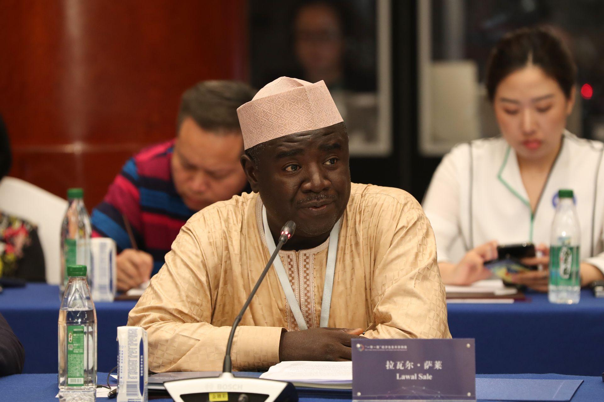 拉瓦尔•萨莱   尼日利亚通讯社公共关系部主管