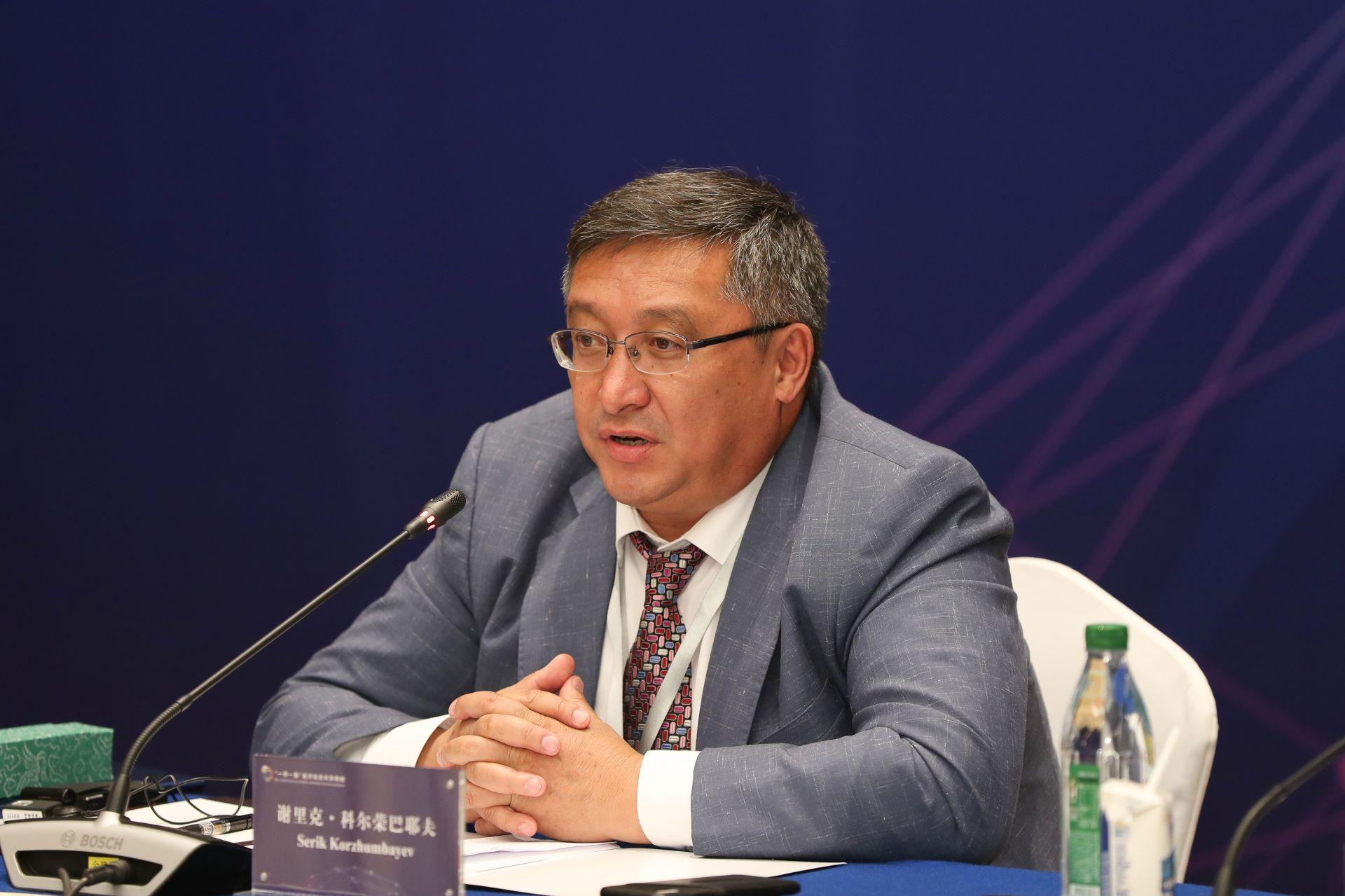 谢里克•科尔荣巴耶夫   哈萨克斯坦实业报总编辑