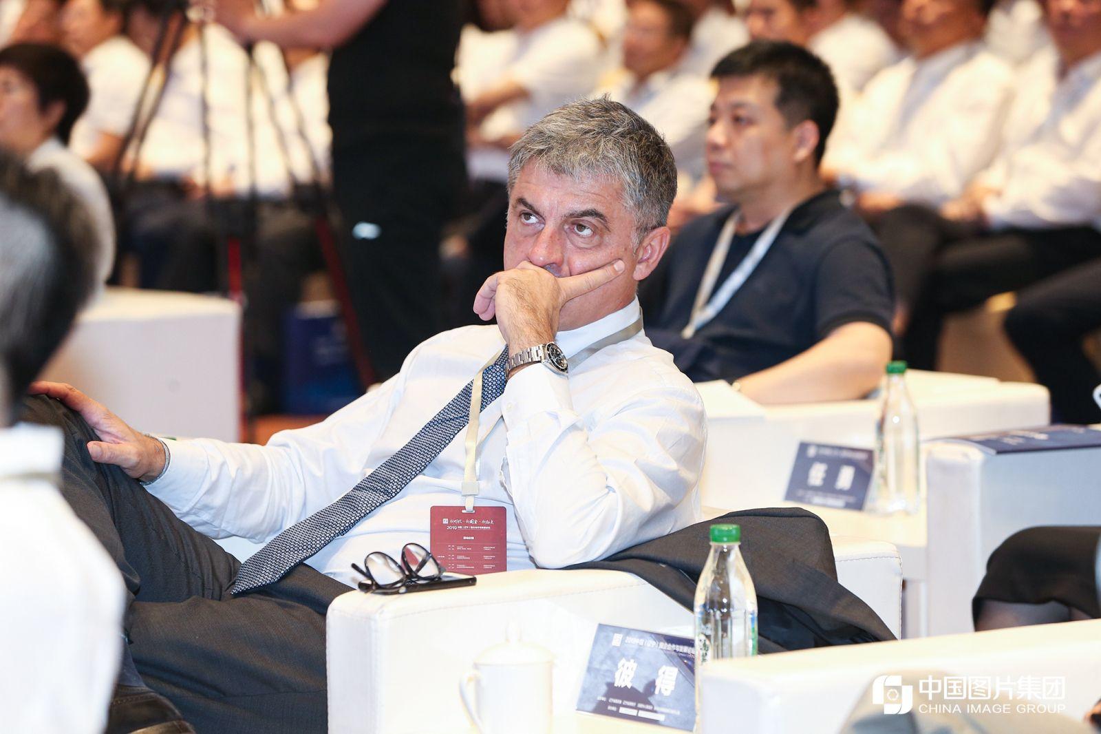 上海申克机械有限公司总裁兼首席执行官彼得·雷根纳(Peter Legner )。