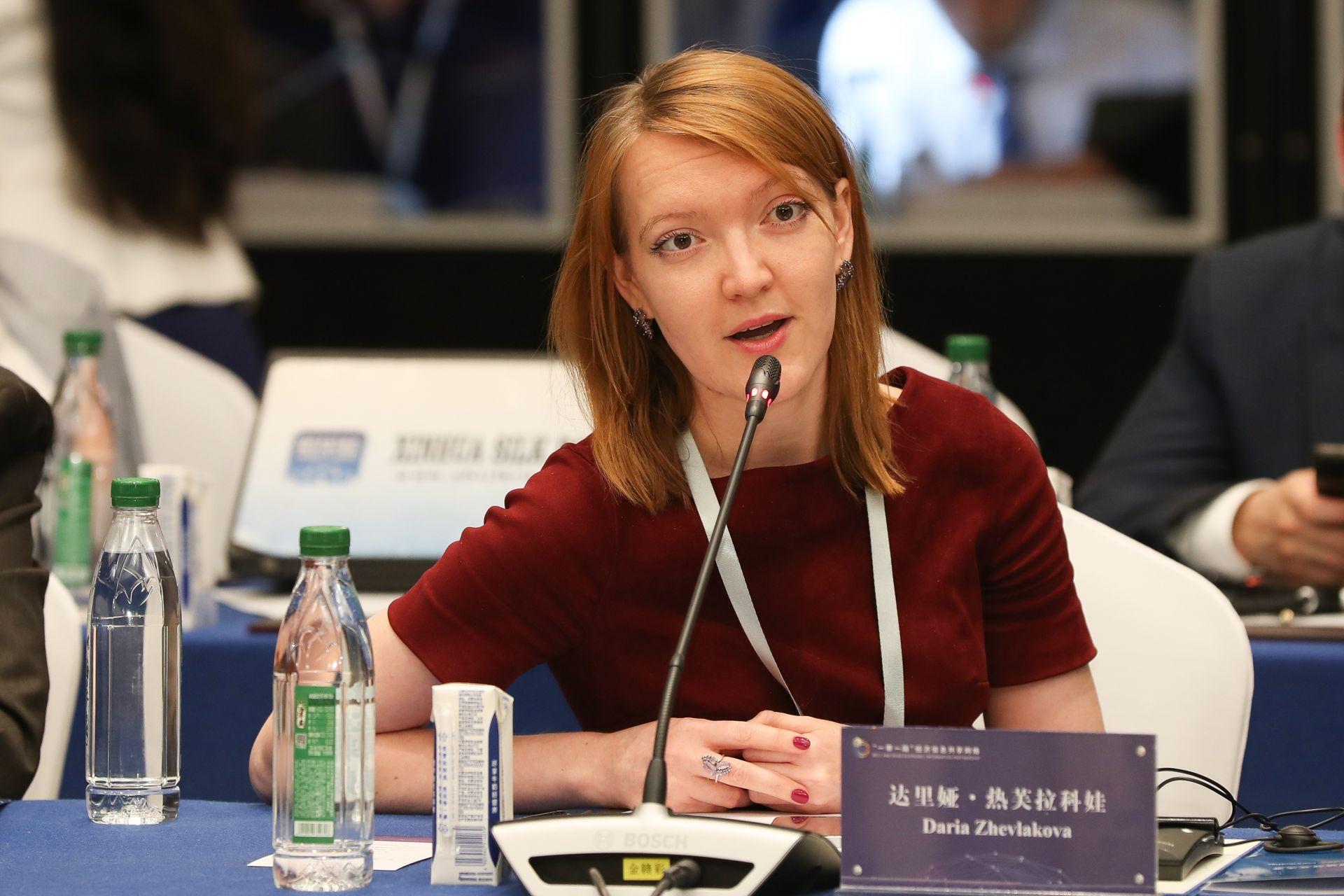 达里娅•热芙拉科娃  国际文传电讯社客户服务部主管