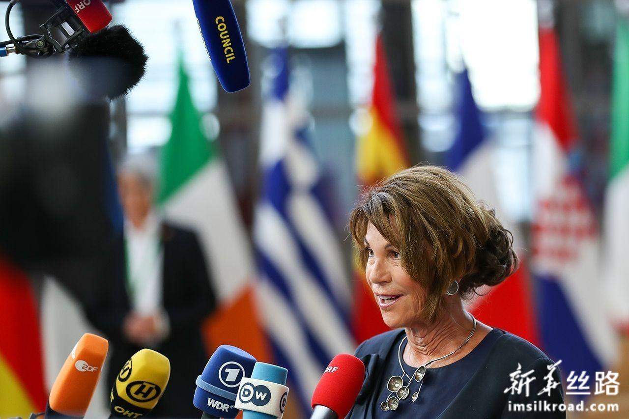 6月30日,在位于比利时布鲁塞尔的欧盟总部,奥地利过渡政府总理布丽吉特·比尔莱因准备出席欧盟峰会。新华社记者张铖摄
