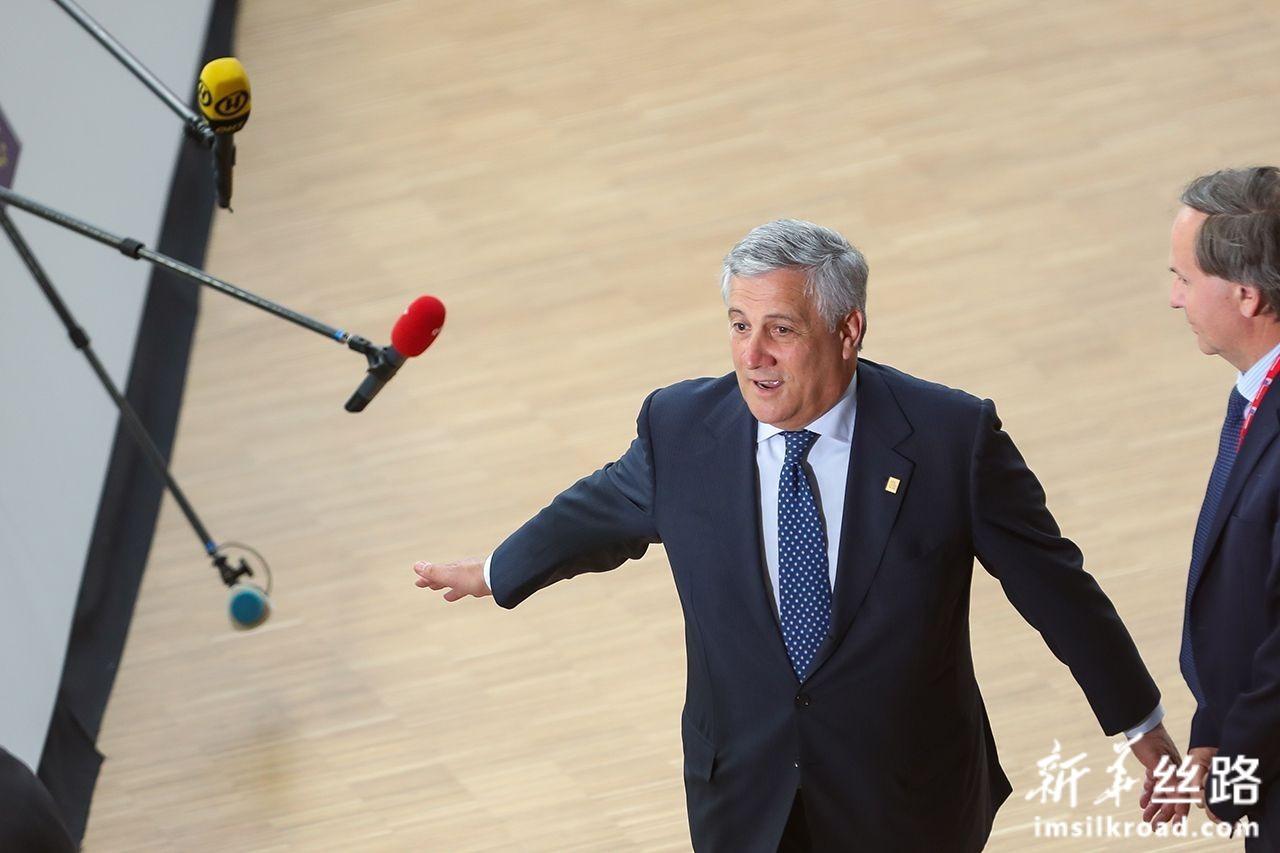 6月30日,在位于比利时布鲁塞尔的欧盟总部,欧洲议会议长塔亚尼准备出席欧盟峰会。新华社记者张铖摄
