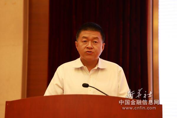 毕节市委常委、常务副市长吴东来作推介(陈泽劲   摄)