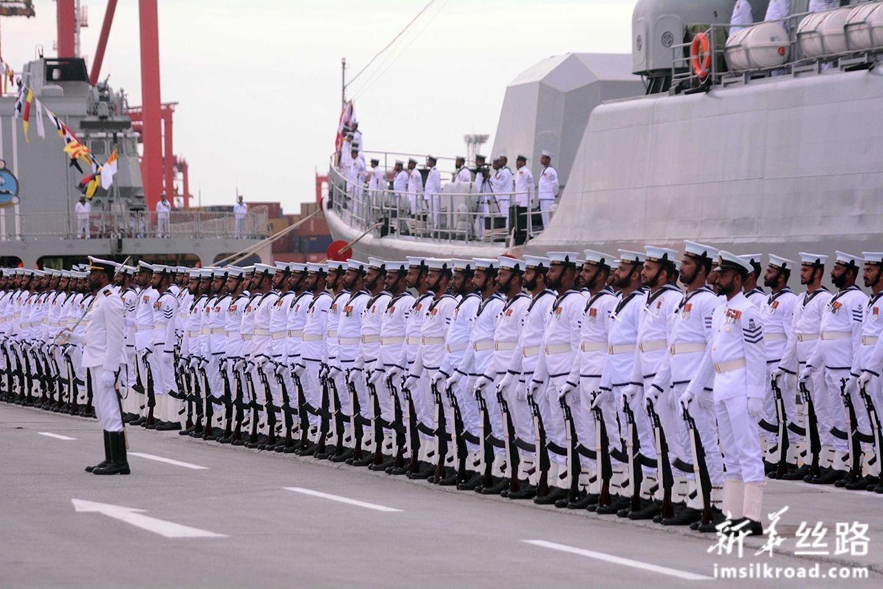8月22日,在斯里兰卡科伦坡,斯里兰卡海军P625舰入列仪式举行。新华社发