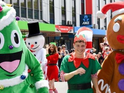 新西兰:惠灵顿举行迎圣诞游行