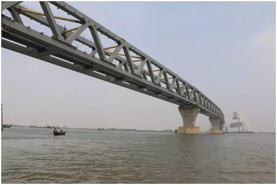 """中企突破技术难关为孟加拉国建起""""梦想桥"""""""