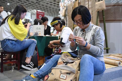 台湾旅游业者:期待两岸关系向好  带动台湾经济