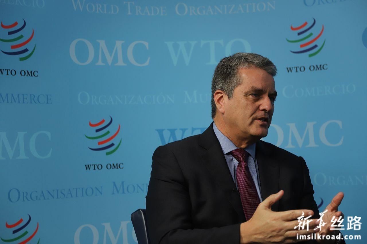 这是10月30日,在位于瑞士日内瓦的世界贸易组织总部,世贸组织总干事阿泽维多接受新华社专访。新华社记者 陈俊侠 摄