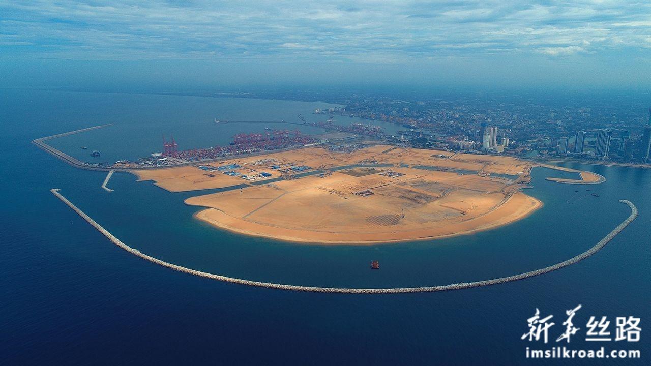 这是11月28日无人机拍摄的斯里兰卡科伦坡港口城项目全景。新华社发
