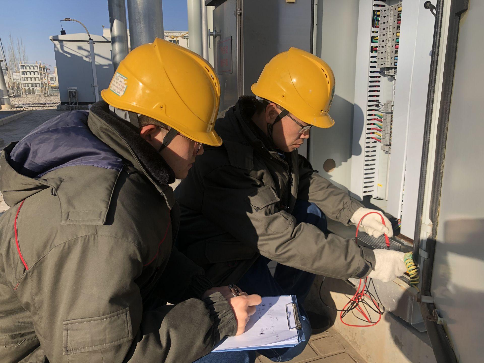 宁夏电力有限公司检修公司进行设备检查  确保冬季高峰用电