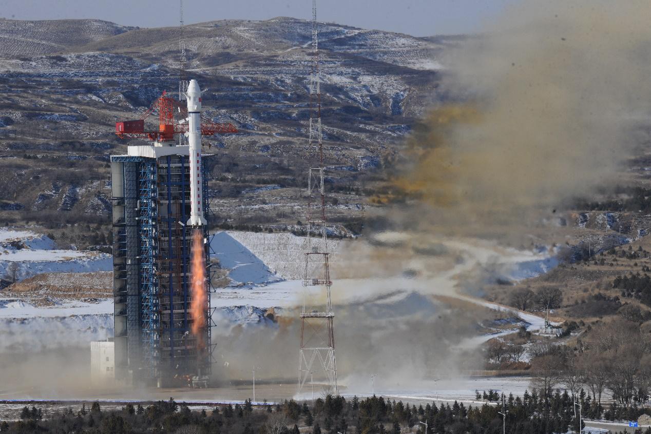 """全球首颗亚米级超大幅宽光学遥感卫星""""红旗一号"""