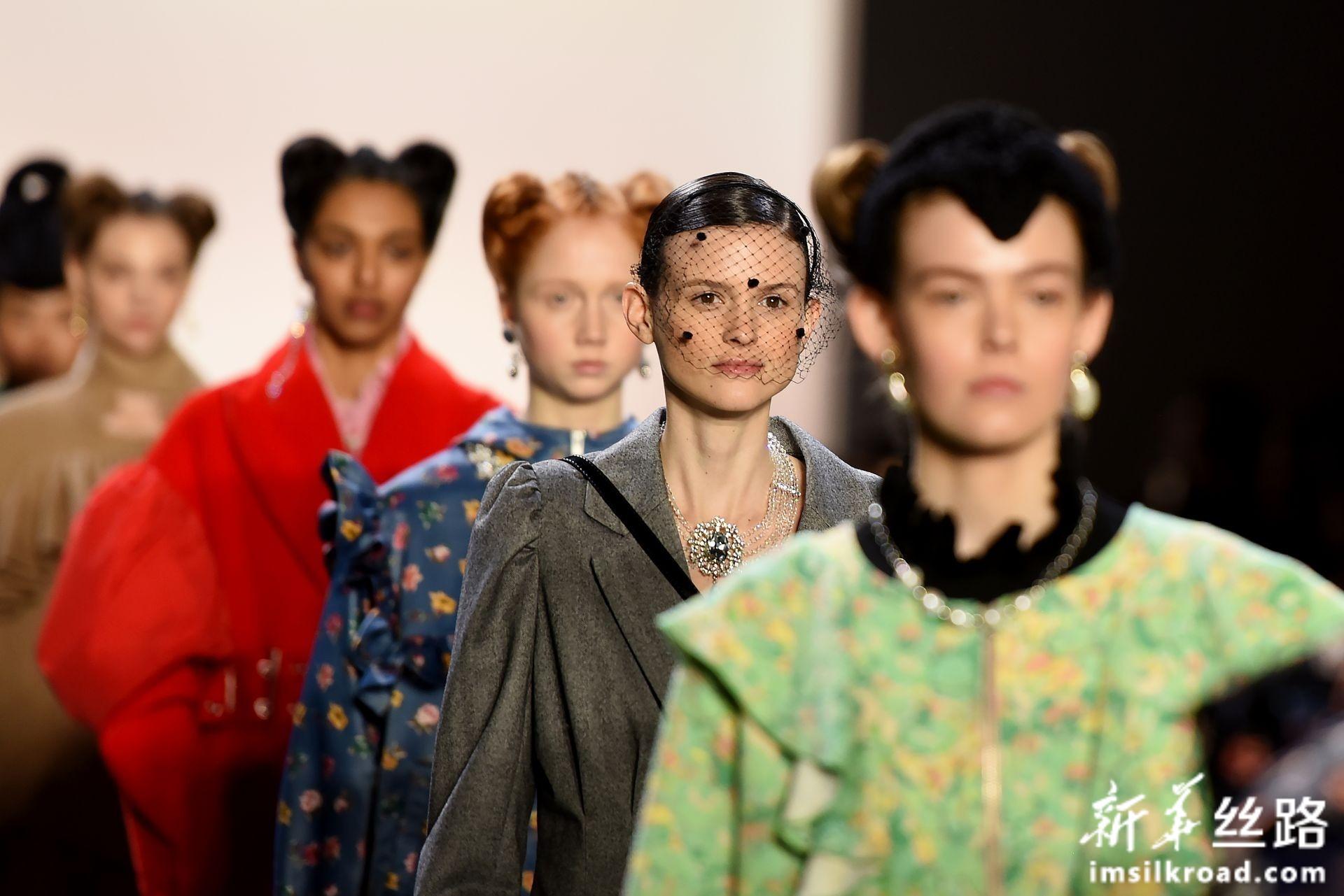 香港设计师作品亮相纽约时装周