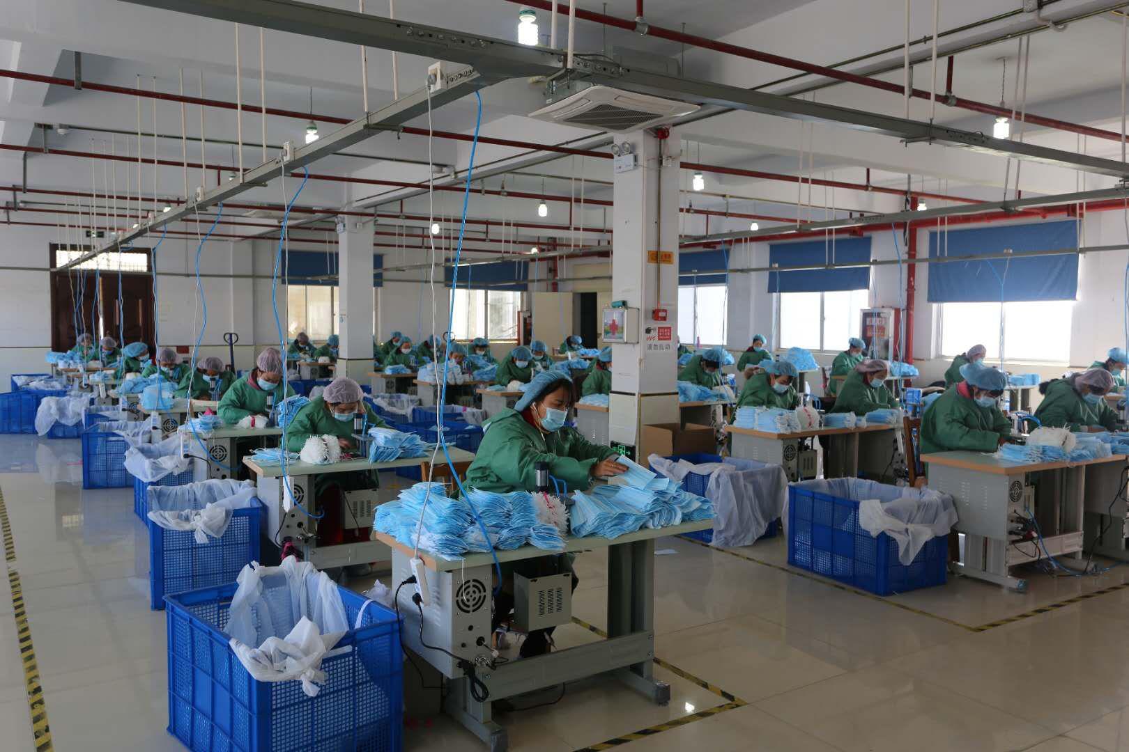 安徽怀远:小小口罩厂 扶贫帮大忙
