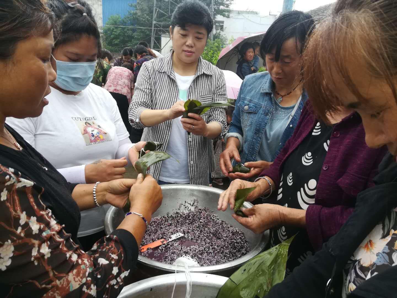 安徽固镇:粽叶飘香话端午 乡风文明在行动