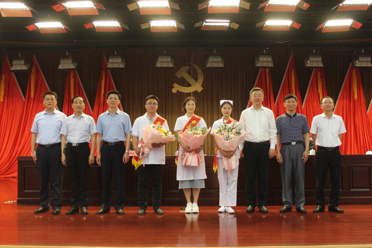 滁州南谯区举行援鄂医护人员先进事迹报告会